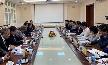 Thứ trưởng Lê Quang Hùng tiếp Giám đốc cơ quan lãnh thổ về bền vững thuộc chính quyền tự trị vùng Catalonia, Tây Ban Nha