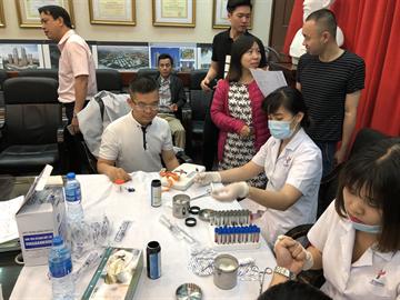 Khám chữa bệnh cho CBCNV công ty CDC năm 2018